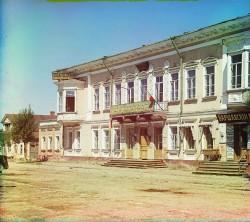 Гостиница Пожарских в Торжке  Фото 1910 -х годов. Типичное здание гостиницы первой половины XIX века.