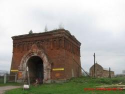 Все что осталось от Желтикова монастыря в мае 2011 года.