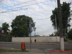 Место, где стоял дом с мезонином. Фото - лето 2012 г.