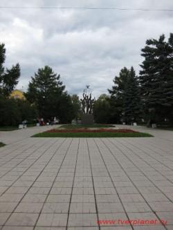 >Сквер на площади мира