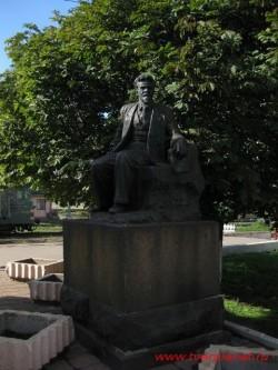 Памятник Калинину