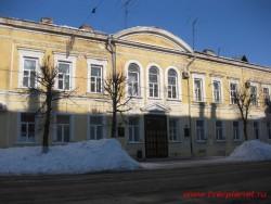 Административное здание (улица Советская, 17; улица Вольною Новгорода, 16)