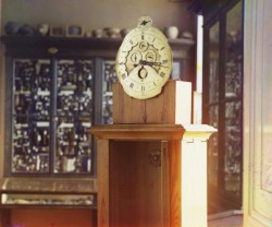 Часы работы Волоскова. Фото - 1910 год